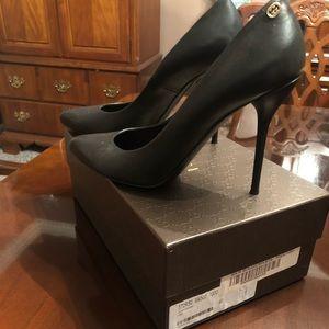 Gorgeous Gucci Stiletto Pumps - Black
